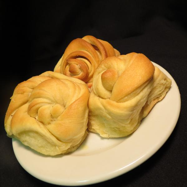 [Image: Our popular homemade dinner rolls. ]